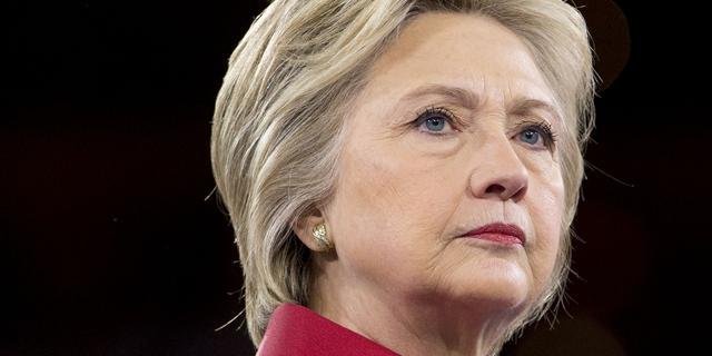 Commissie concludeert dat Clinton slecht omging met e-mail