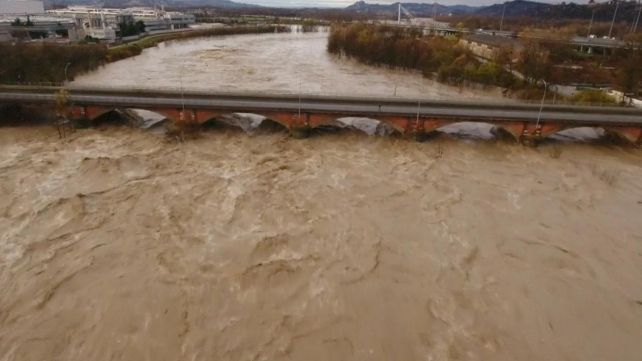 Honderden Italianen dakloos door overstromingen in noordwesten