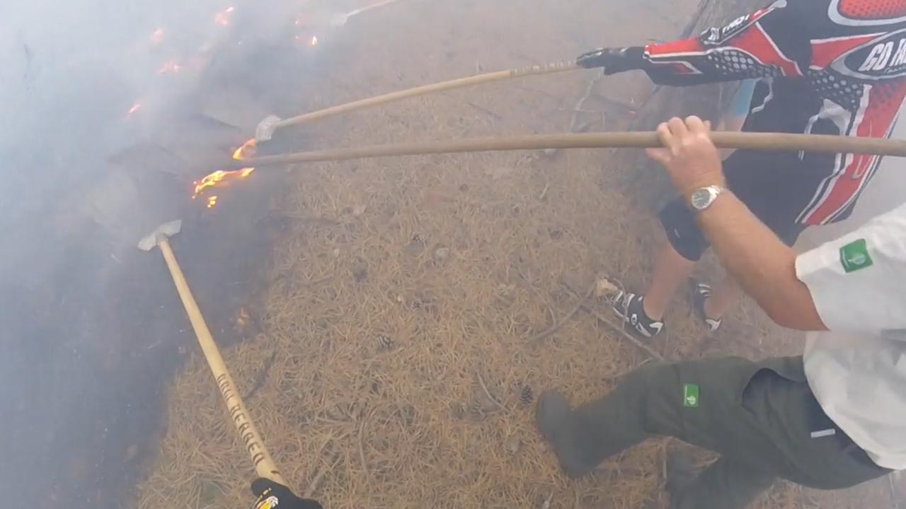 Mountainbikers helpen met bestrijden brand in duingebied Schoorl