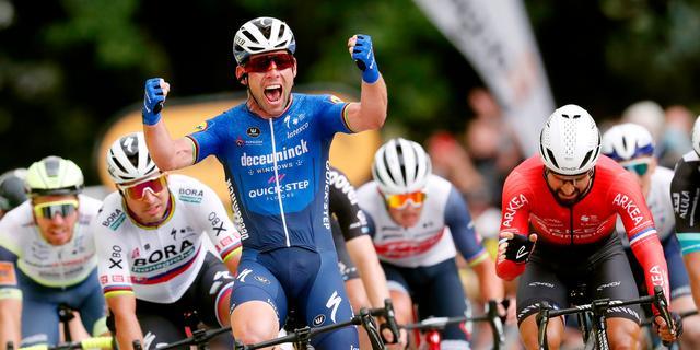 Cavendish sprint voor het eerst sinds 2016 naar etappezege in Tour