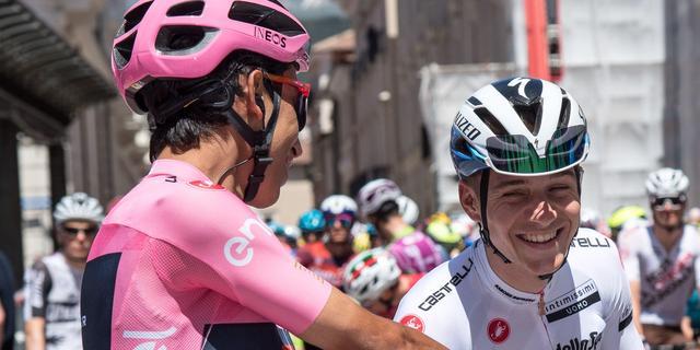 Bernal na speldenprik Evenepoel bij tussensprint: 'Giro is geen secondespel'