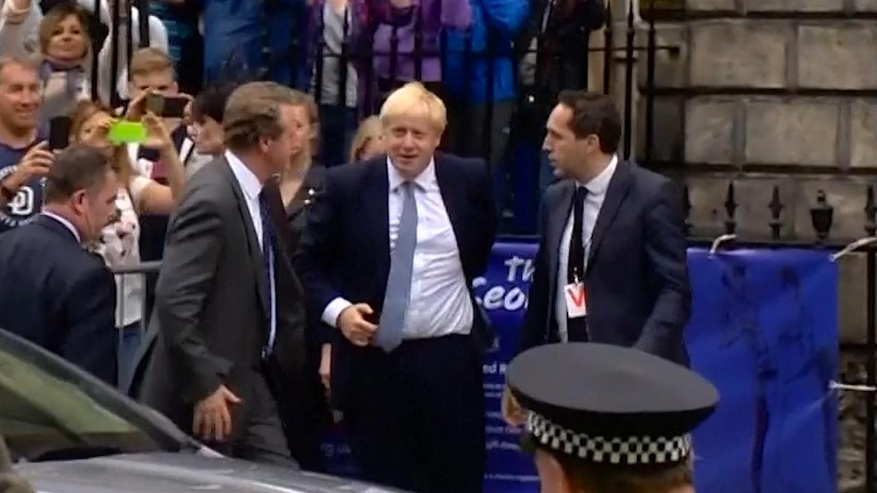 Johnson uitgejouwd bij eerste officiële bezoek aan Schotland