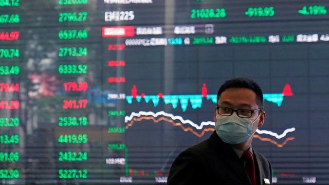 Beurzen lager, minder iPhones: zo raakt corona de wereldeconomie