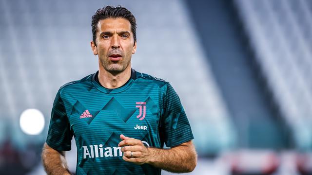 Buffon (42) en Chiellini (35) gaan jaar langer door bij Juventus