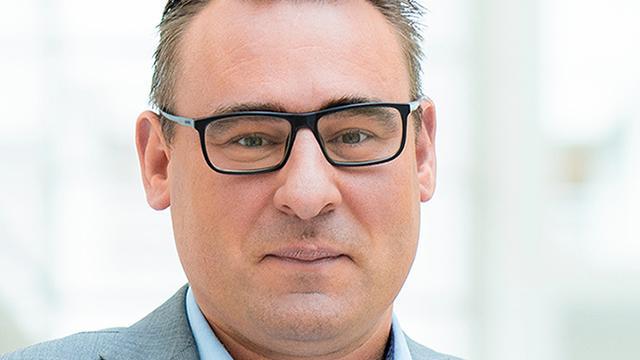 Van corruptie verdachte De Mos keert terug in de Haagse gemeenteraad