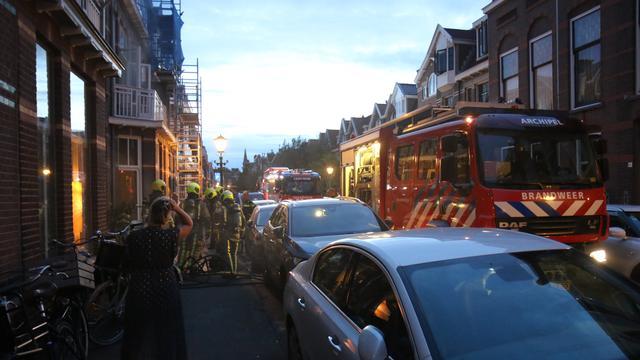 Brandweer rukt uit voor woningbrand in 2e Schuytstraat