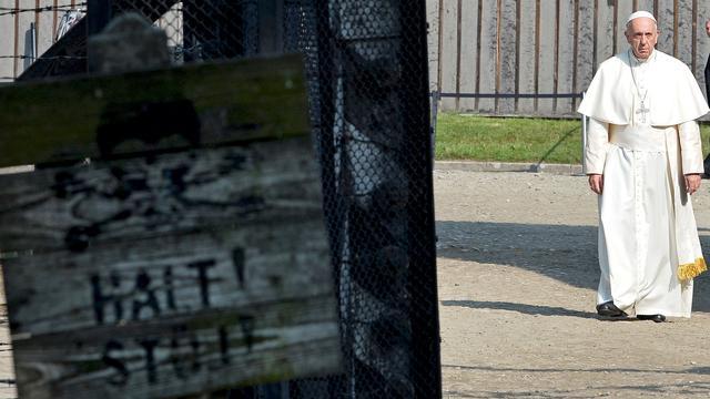 Paus Franciscus bezoekt Auschwitz