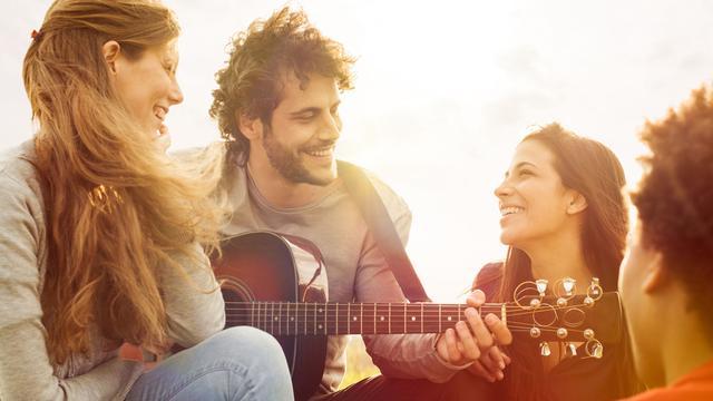 Hersenhelften van muzikant reageren verrassend synchroon op muziek