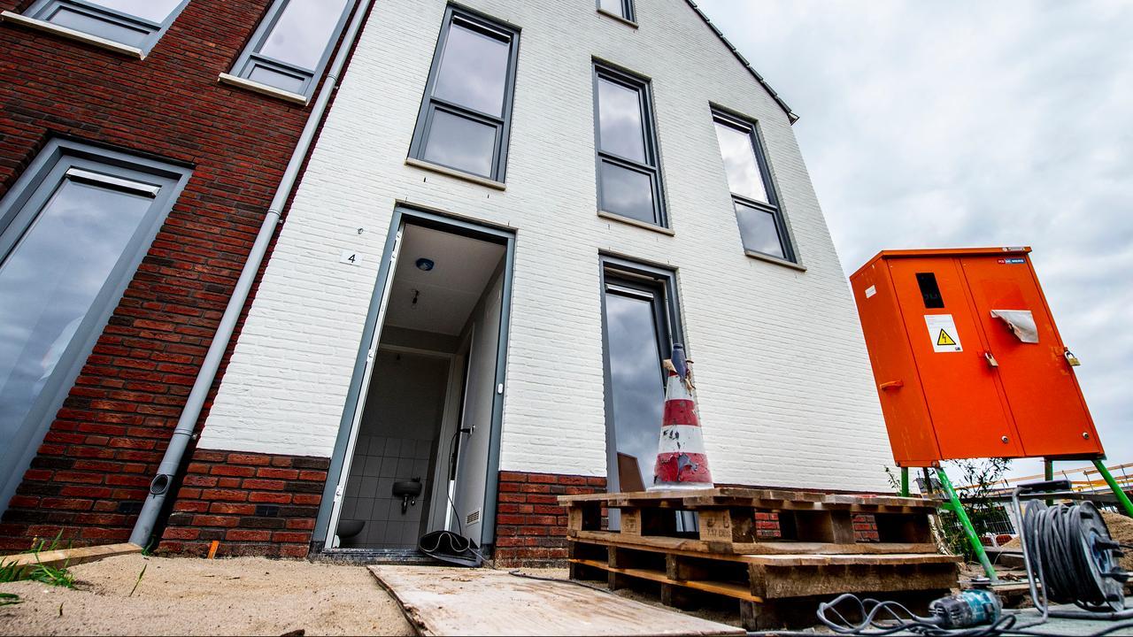 Rabobank verwacht dat huizenprijzen in 2021 en 2022 dalen