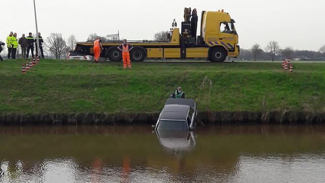 Dood gevonden persoon in auto Stieltjeskanaal is 31-jarige man uit Klazienaveen