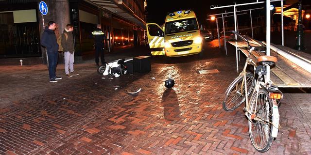 Leidse 112-fotograaf breekt been bij ongeluk met scooter