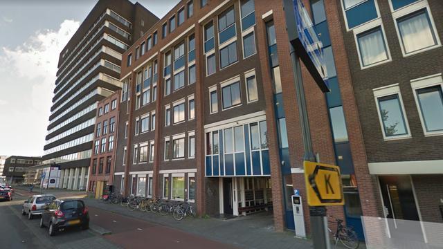 Persoon lichtgewond na brand in appartementencomplex Groningen