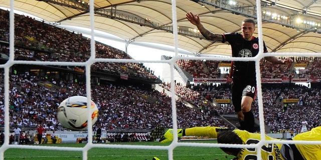 Twee goals Castaignos bij Frankfurt, Robben scoort voor winnend Bayern