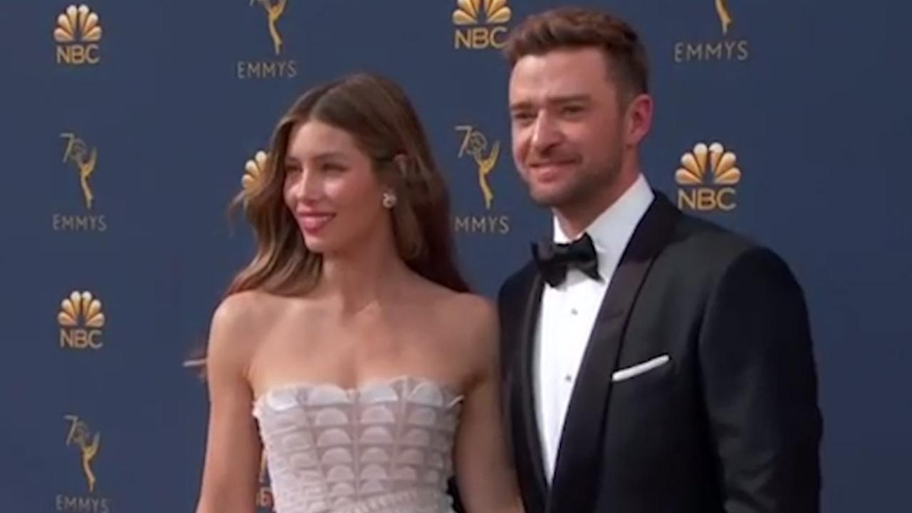 Dit droegen Hollywoodsterren op de rode loper van de Emmy's