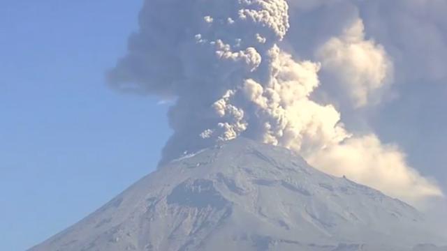 Enorme aswolken door grootste uitbarsting Popocatépetl sinds 2013