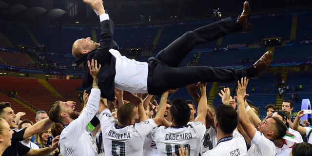 Zidane evenaart Rijkaard na veroveren Champions League