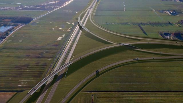 Laatste Nederlandse snelwegrotonde in Joure verdwijnt