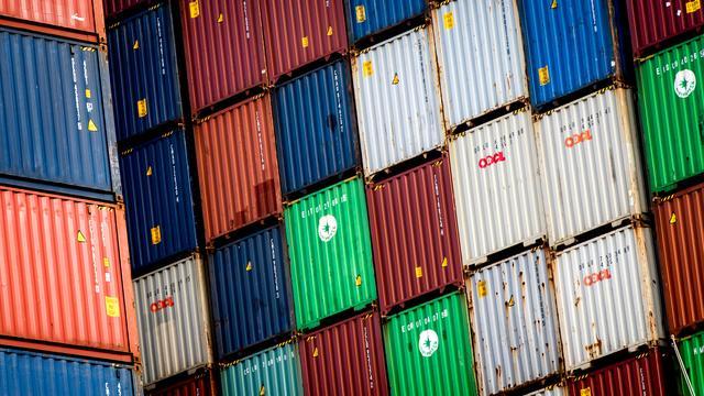 Gemeente geeft Alpherium toestemming containers vier hoog te stapelen