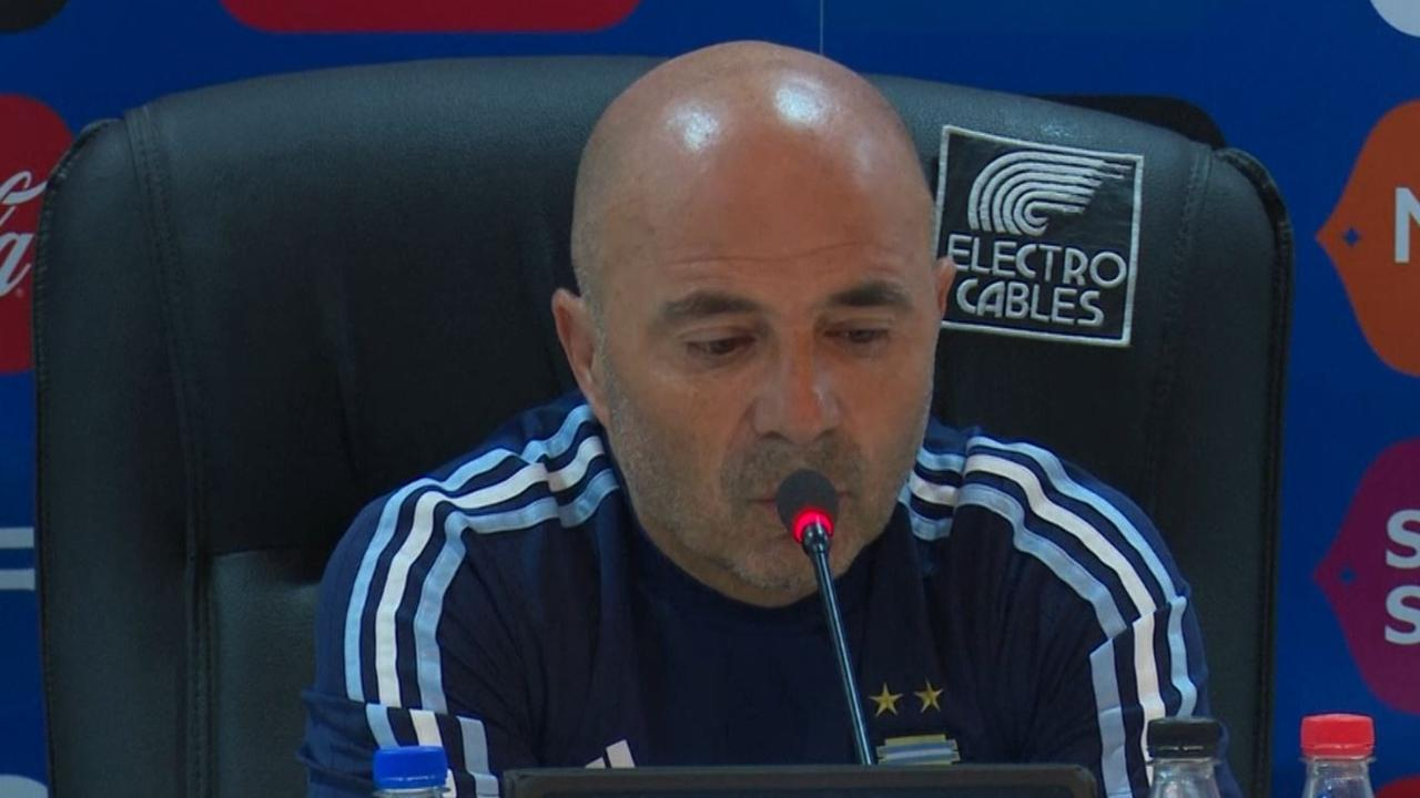 Argentijnse bondscoach prijst 'fantastische' Messi