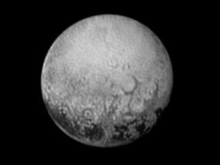 Ruimtesonde New Horizons scheert morgen langs dwergplaneet
