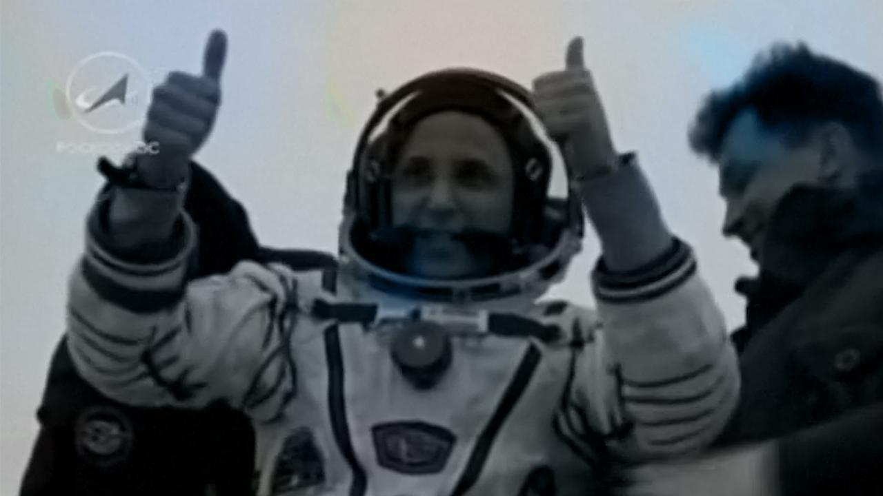 Ruimtevaarders ISS uit capsule geholpen na terugkeer op aarde