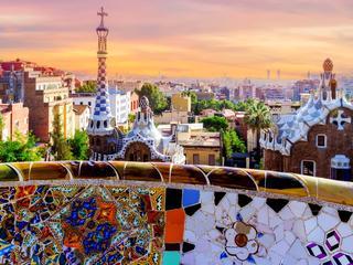 Vlieg naar het prachtige Barcelona en verblijf 2, 3, 4 of 5 nachten in Aparthotel Nápols in de wijk Eixample