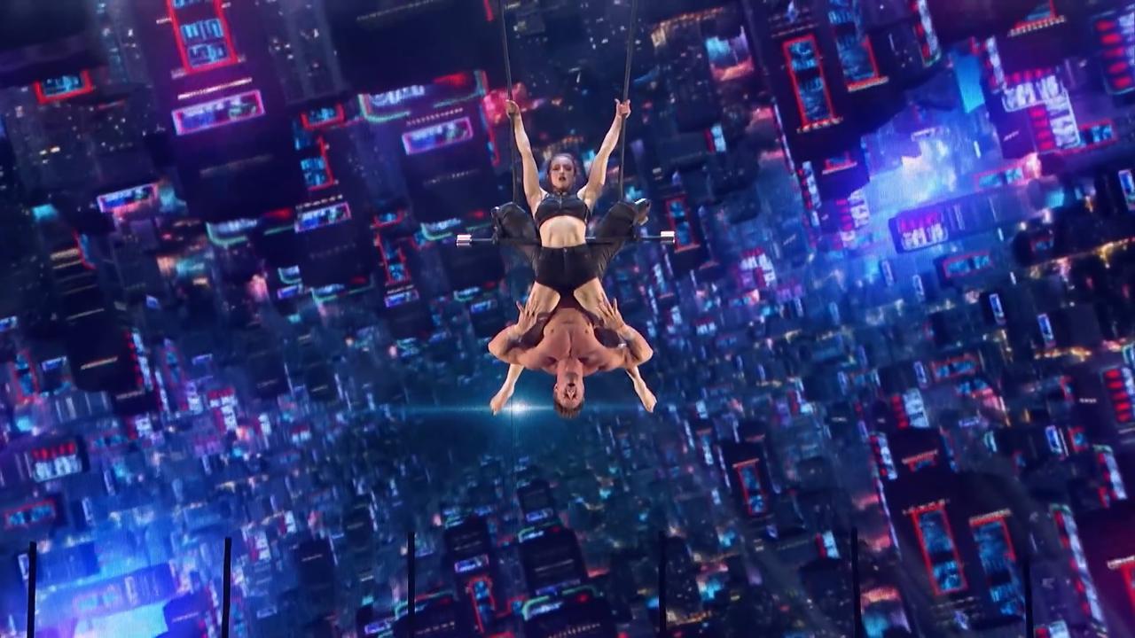 Concurrenten Glennis Grace: Trapeze-act Duo Transcend