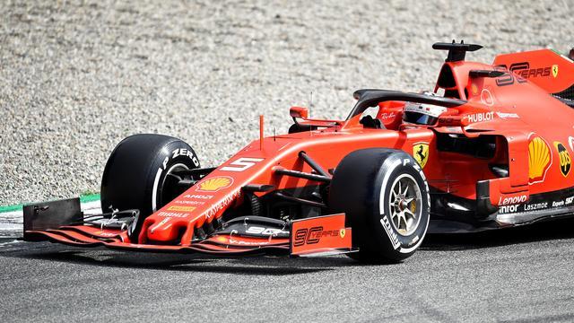 Sombere Vettel krijgt strafpunten op licentie en is dicht bij schorsing
