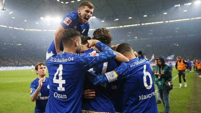 Mönchengladbach laat kans op koppositie liggen na nederlaag bij Schalke