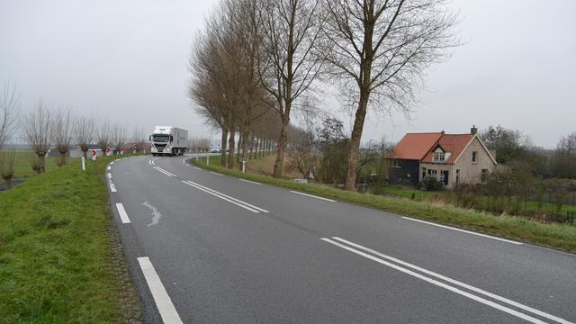 Provincie start met maatregelen op Molendijk