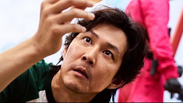 Lee Jung-jae speelt de hoofdrol in Squid Game.