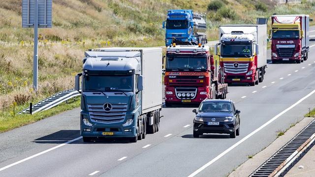 'Registraties nieuwe trucks en trailers dit jaar met een derde onderuit'