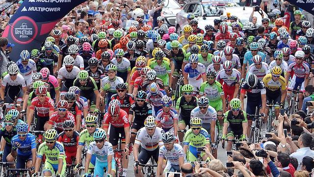 Liveticker Giro: Kopgroep van vijf renners in vlakke etappe
