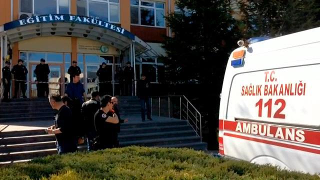 Vier universiteitsmedewerkers gedood bij schietpartij op Turkse universiteit