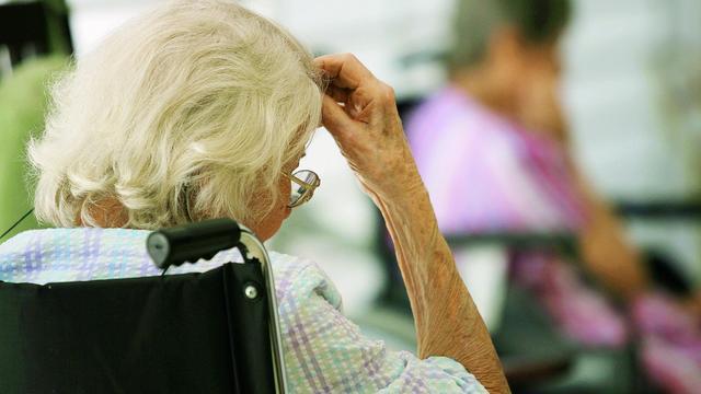 Bloedtest die kan aantonen of iemand alzheimer krijgt is binnen handbereik