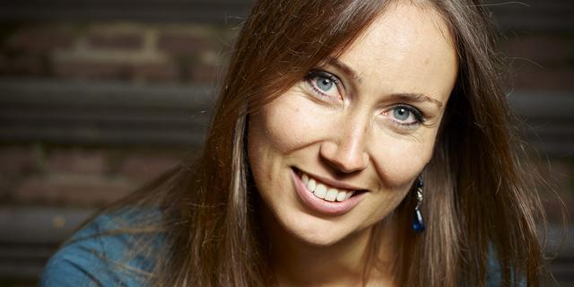 Bekroond jeugdboekenschrijfster Anna Woltz bezoekt 't Spui