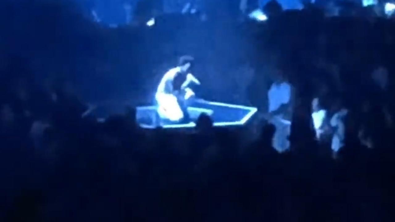 Childish Gambino brengt eerbetoon aan Mac Miller tijdens concert
