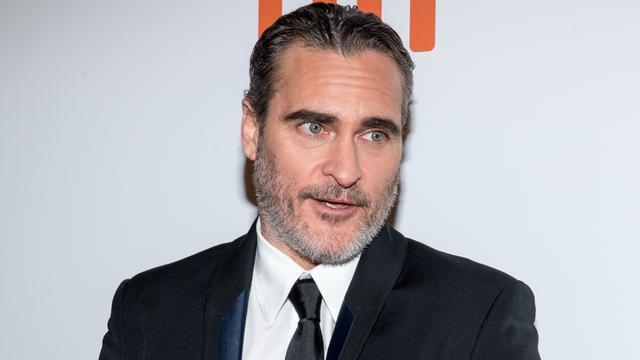Joaquin Phoenix bedankt overleden broer River voor acteercarrière