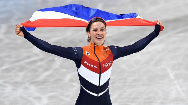 Schulting als eerste Nederlandse vrouw ooit wereldkampioen shorttrack