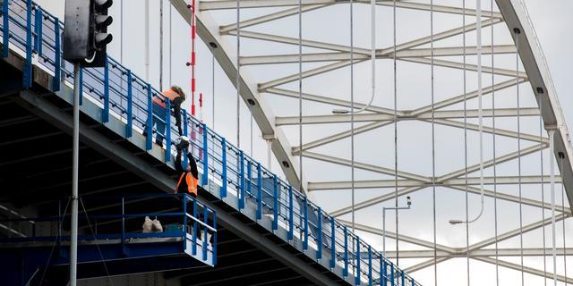 Luchtmonsters na onwelwording bouwvakkers bij Merwedebrug