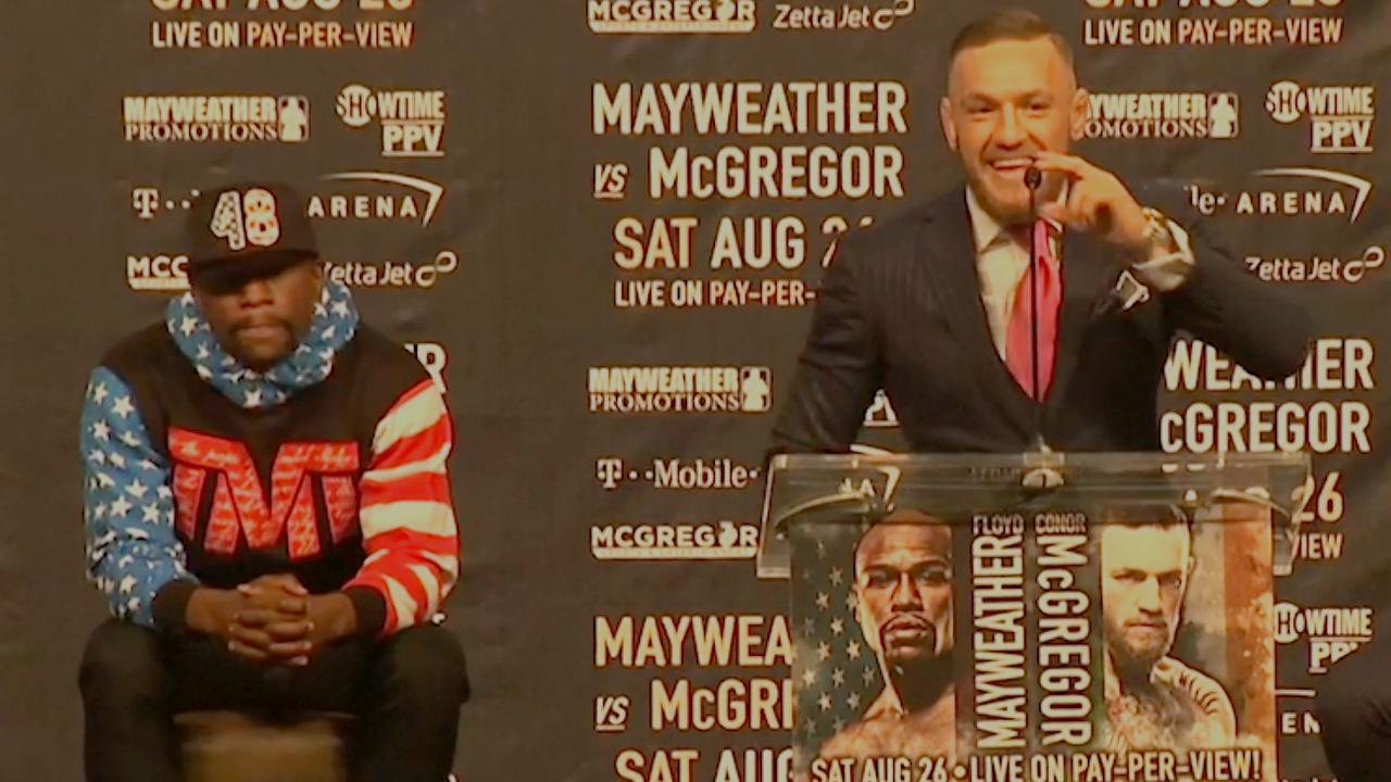 McGregor en Mayweather maken elkaar belachelijk tijdens persconferentie