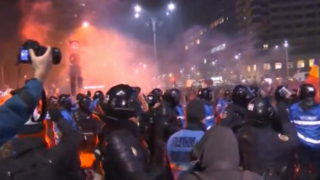 Duizenden Roemenen de straat op tegen machtsmisbruik