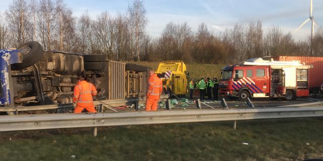 Ruim honderd kalveren omgekomen bij ongeluk op A16 bij Breda