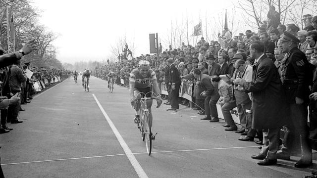 Eerste Nederlandse Gold Race-winnaar Den Hartog (77) overleden