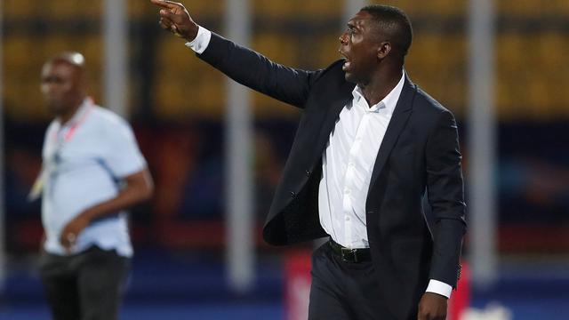 Seedorf wint met Kameroen eerste groepsduel op Afrika Cup
