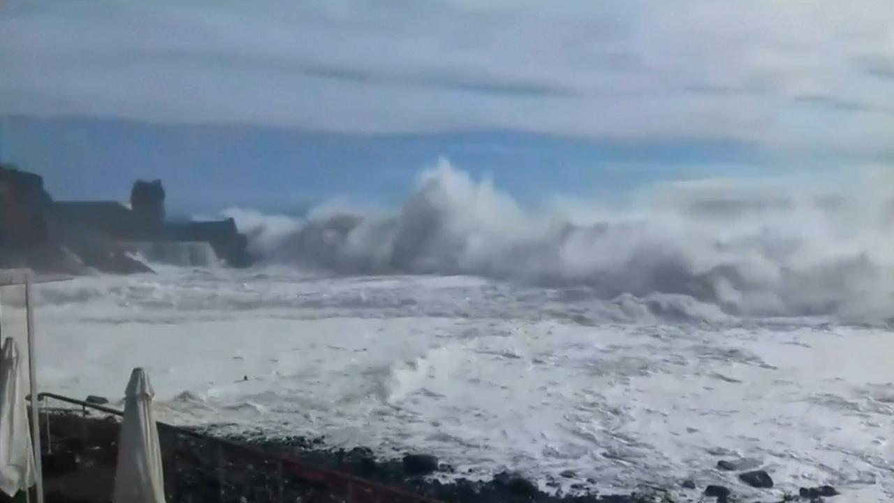 Tropische storm veroorzaakt hoge golven op Madeira