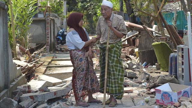 Nieuwsupdate: Nieuwe aardbevingen Lombok | Peuter verdronken in Duinrell