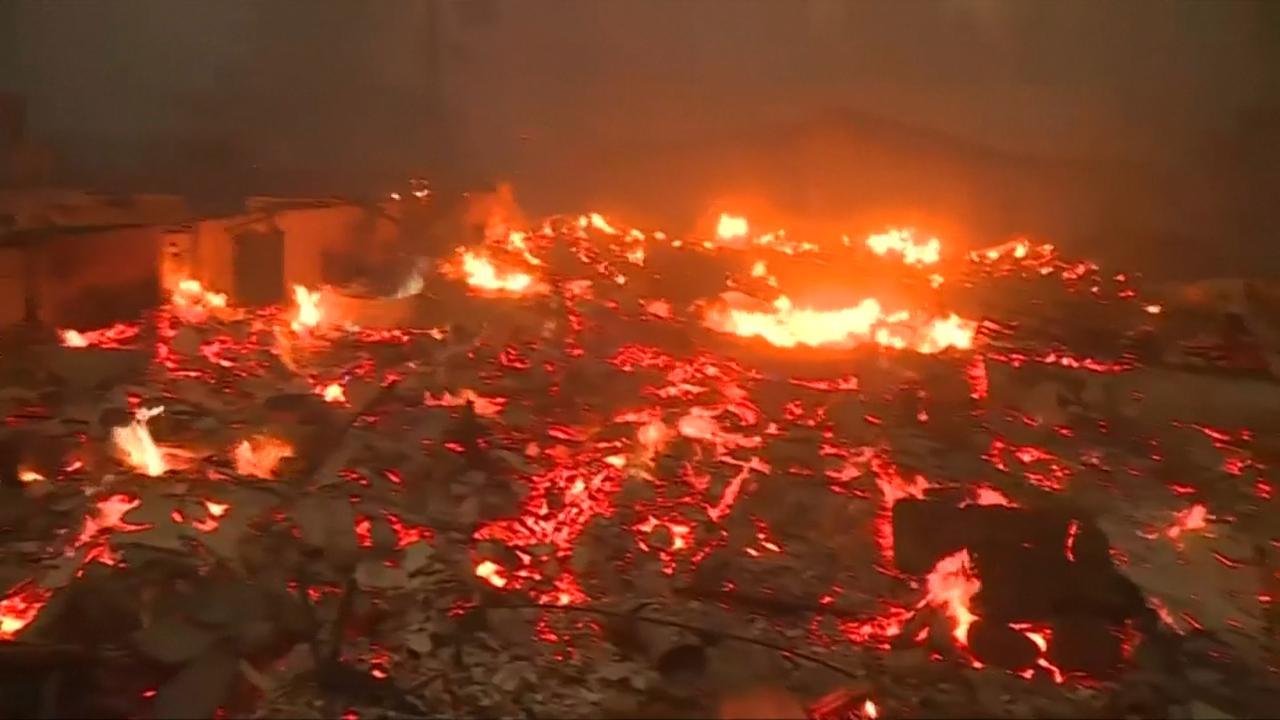 Vlammen omsingelen Californisch stadje Paradise