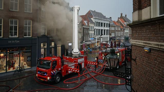 Grote brand in pizzeria in Zutphen