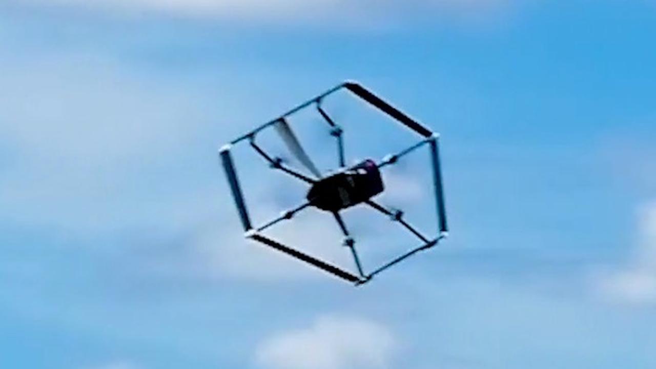 Amazons bezorgdrone is combinatie van helikopter en vliegtuig